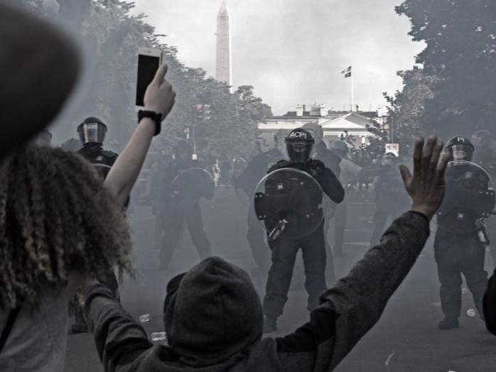 Rivolta Washington