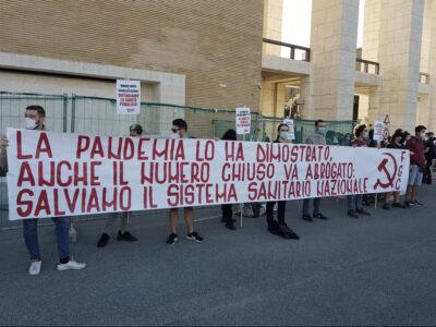 Test d'ingresso a Medicina: proteste in tutta Italia contro il numero chiuso - Sapienza