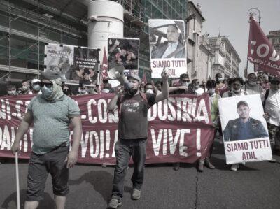 Manifestazione 2021-06-19 Cartello siamo tutti Adil
