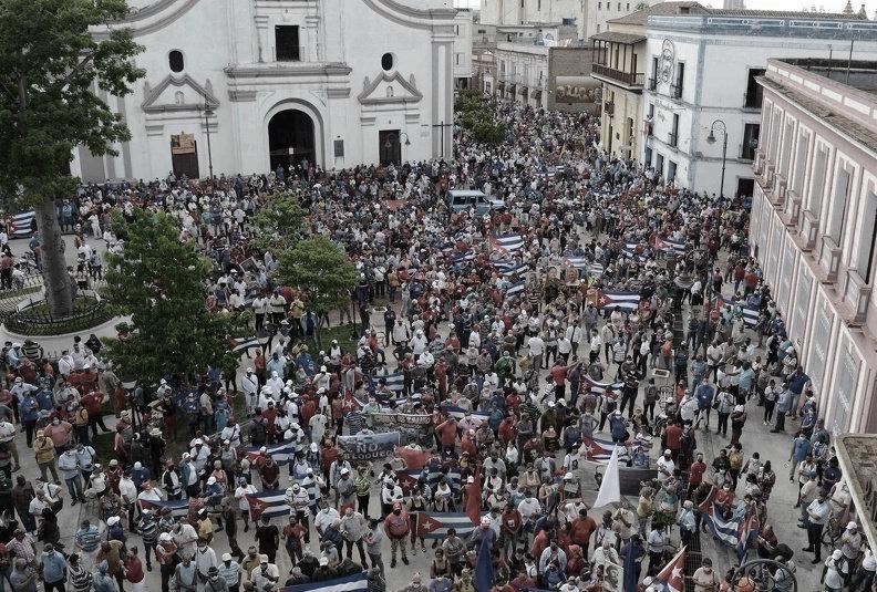 Manifestazione in difesa della Rivoluzione a Camagüey